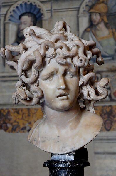Marble bust of Medusa y Bernini